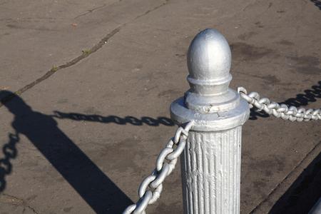fence of river port Imagens - 123123875