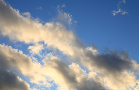 cloud on blue sky at day