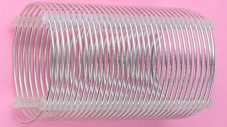 radio coil on pink background Banco de Imagens - 124995883