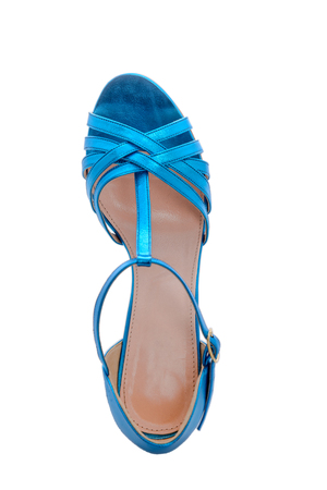 clasp feet: beautiful glossy new sandals for summer time