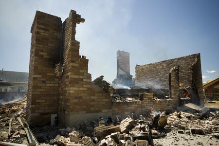 dismantle: Ruins Of A Damaged Building LANG_EVOIMAGES