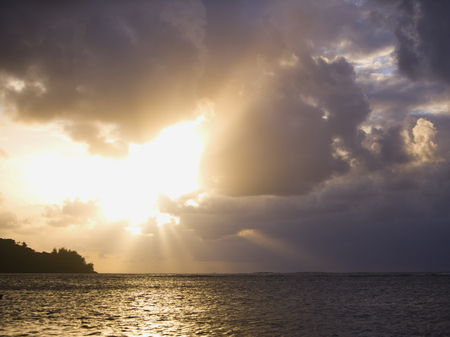 generic location: Sunset In Kauai LANG_EVOIMAGES