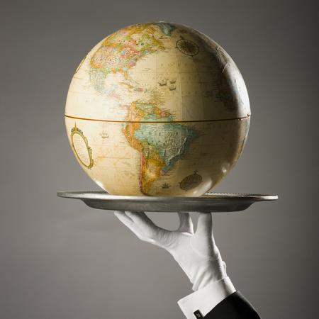 elite: Globe On A Platter