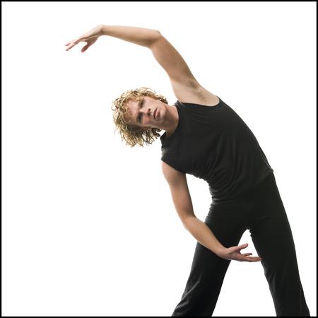 Hombre que hace yoga