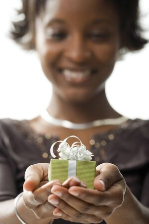 generosa: Woman With Gift Box LANG_EVOIMAGES