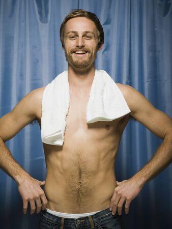 Man Flexing Muscles LANG_EVOIMAGES