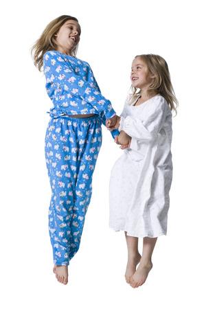 pijamada: Hermanas jóvenes en pijama LANG_EVOIMAGES