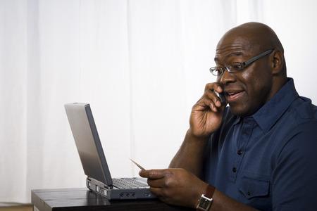 Közelkép, ember, beszéd, mobiltelefon, birtoklás, hitelkártya LANG_EVOIMAGES