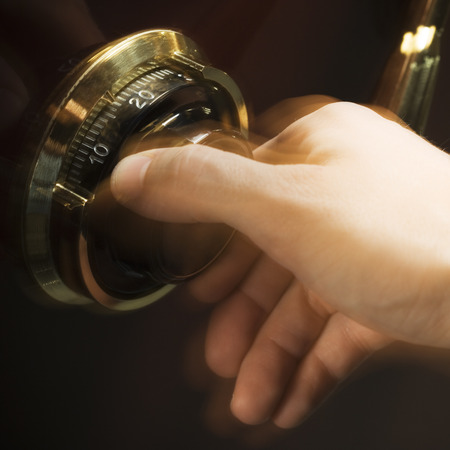 Hand Opening Combination Lock LANG_EVOIMAGES