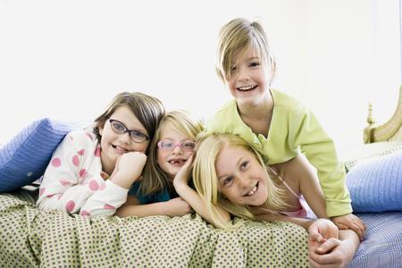 pijamada: Girls On A Bed