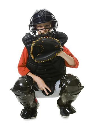 Porträt eines Baseballfängers duckend