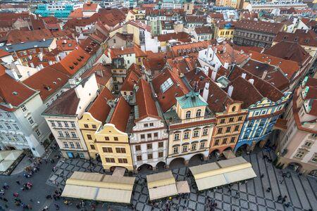 Luchtfoto van het Oude Stadsplein in Praag, Tsjechië