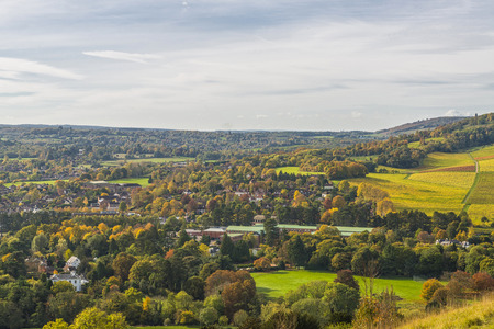 feld: View of English countryside in the fall colors, North Downs in Surrey