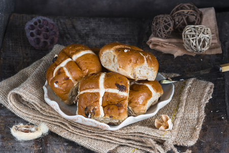 easter cross: Easter hot cross buns