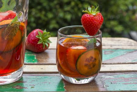 Traditionele Pimms cocktail met limonade