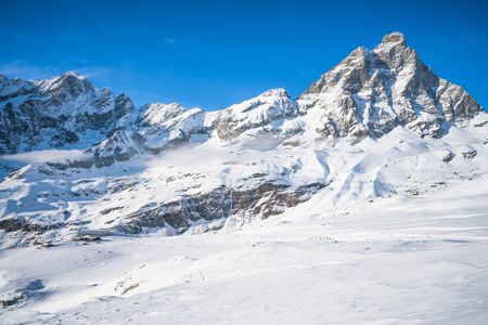 View of Italian Alps and Matterhorn Peak from Plan Maison in the Aosta Valley region of northwest Italy. Foto de archivo