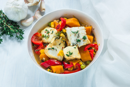 Fish stew with vegetables - high angle view Banque d'images