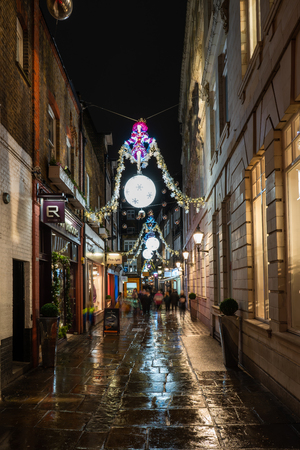 LONDON - DECEMBER 23, 2018: St Christopher's Place Piazza and the surrounding streets just off famous London's Oxford Street are decorated for Christmas. Sajtókép