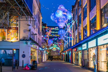 LONDON - NOVEMBER 09 2019:This year Carnaby Street in collaboratiion with ocean conservation charity Project Zero creates more eco-friendly Christmas display made using recycled and reusable materials Фото со стока - 133786778