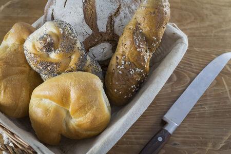 semmel: Some bread in a bread basket
