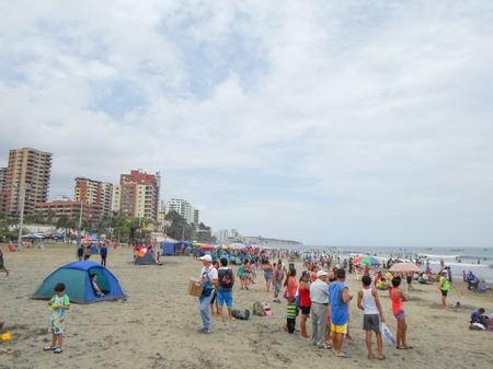 ruta: MANTA, ECUADOR - MARCH 16, 2015: Murcielago beach in Manta, Ecuador Editorial