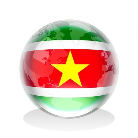 suriname: Kristallen bol van de vlag van Suriname met wereldkaart