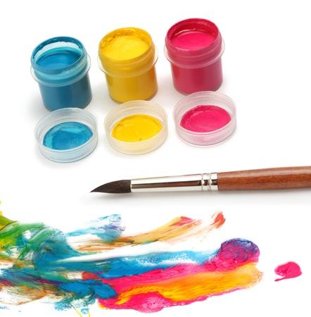 guache: Pincel y colores