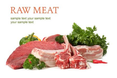 carnicero: surtido de carnes crudas Foto de archivo