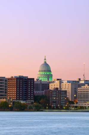 state of wisconsin: Madison. Image of Madison downtown skyline at twilight with state capitol building.