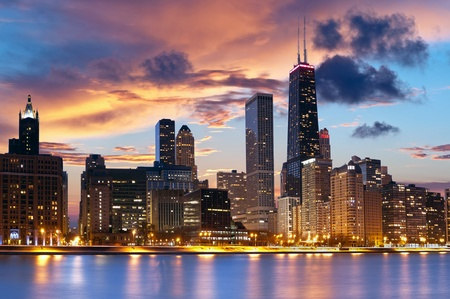 waterfront property: Chicago Skyline. Chicago downtown skyline at dusk.