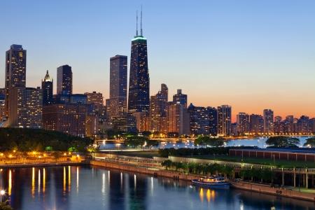 Skyline von Chicago. Chicago Skyline in der Abenddämmerung.