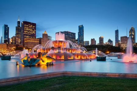 midwest usa: Buckingham Fountain. Image of the Buckingham Fountain in Grant Park, Chicago, Illinois, USA.