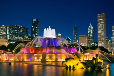 chicago skyline: Buckingham Fountain. Image of the Buckingham Fountain in Grant Park, Chicago, Illinois, USA.