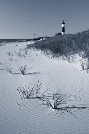 lake michigan lighthouse: Big Sable Point Lighthouse. Imagen de la Gran Faro Sable Point y la playa en el lago Michigan.