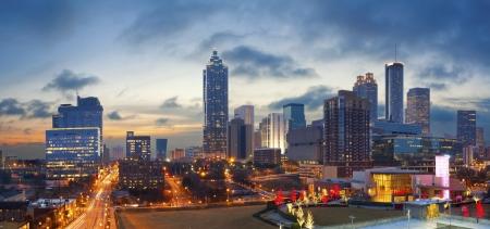 City of Atlanta. Panorama-Bild der Atlanta Skyline bei Sonnenaufgang. Lizenzfreie Bilder