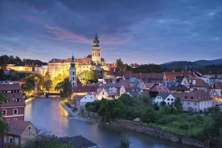 Cesky Kromlov, Tschechische Republik Bild von Cesky Krumlov, Tschechische Republik im Süden befindet sich in der Dämmerung