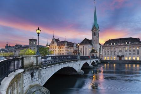 Zurich Foto von Zürich, der Hauptstadt der Schweiz, während dramatische Sonnenuntergang