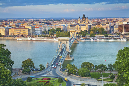 Budapest  Image of Budapest, capital city of Hungary, during sunny afternoon Banco de Imagens - 29844594