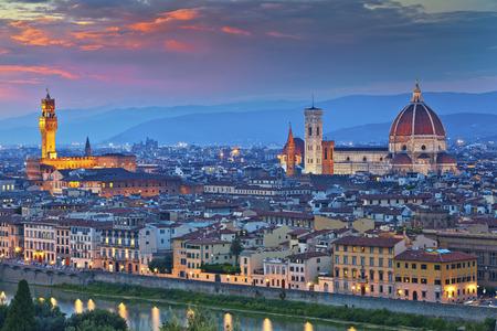 Florencia. Imagen de Florencia, Italia durante el hermoso atardecer. Foto de archivo - 35089681