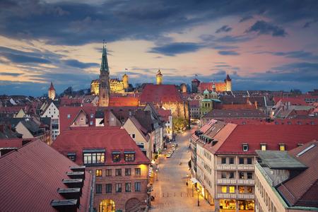 Nürnberg. Bild von der historischen Innenstadt von Nürnberg, Deutschland bei Sonnenuntergang. Lizenzfreie Bilder