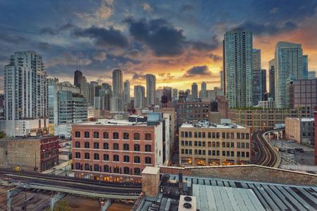 シカゴ ダウンタウン。日の出シカゴの近代的なダウンタウン地区のイメージ。
