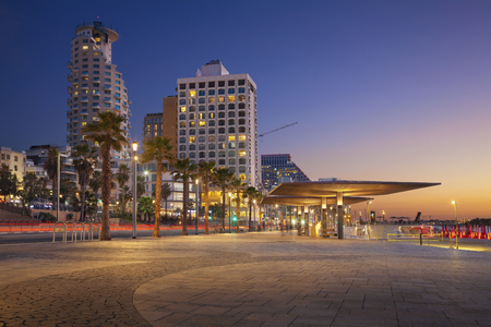 Tel Aviv Promenade. Image of Tel Aviv, Israel during sunset. 免版税图像