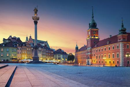 ワルシャワ。日没時に古い町ワルシャワ、ポーランドのイメージ。 写真素材