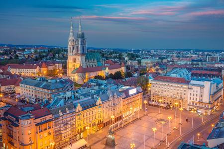 Zagreb. Cityscape image of Zagreb, Croatia during twilight blue hour. 스톡 콘텐츠