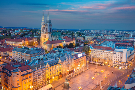 Zagreb. Cityscape image of Zagreb, Croatia during twilight blue hour. Banque d'images