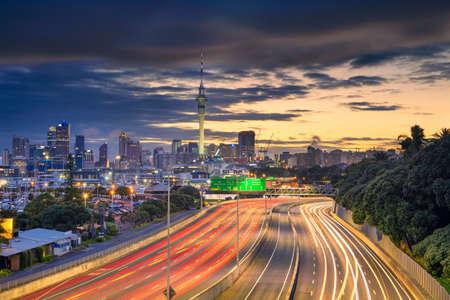Auckland. Cityscape image of Auckland skyline, New Zealand at sunrise. Banco de Imagens