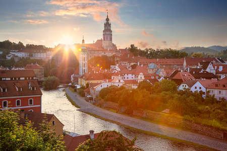 Cesky Krumlov. Aerial cityscape image of Cesky Krumlov, Czech Republic during summer sunset. Banco de Imagens