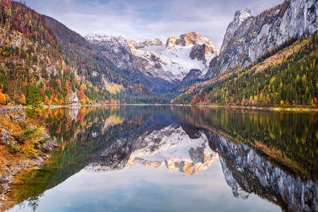 Lake Gosau, Austria. Landscape image of the Lake Gosau, Austria located in European Alps at autumn sunset. Banco de Imagens