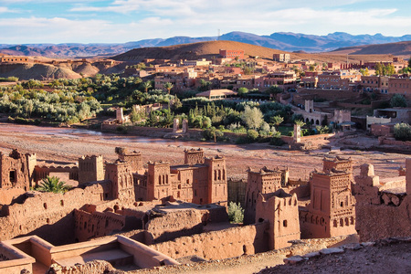 Ait Ben Haddou or Ait Benhaddou is a fortified city near ouarzazate in Morocco. Ait Ben Haddou is a great example of earthen clay architecture. Reklamní fotografie
