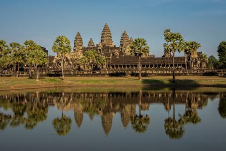 Angkor Wat è un complesso di templi in Cambogia e il più grande monumento religioso del mondo. Siem Reap, Cambogia. Archivio Fotografico
